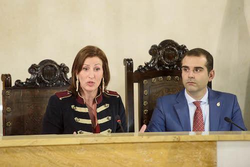191218 Pleno Alcalde y María Vázquez