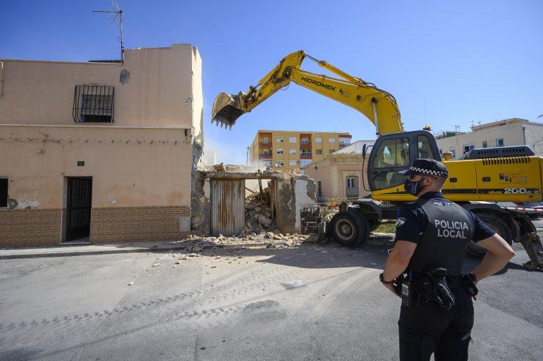 demolicion casas barrio alto003
